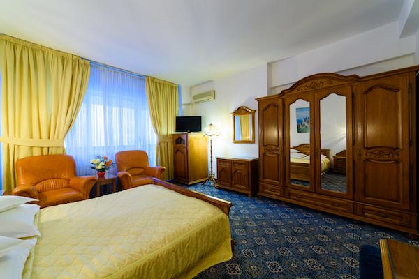 camera-matrimoniala-hotel-decebal-bacau