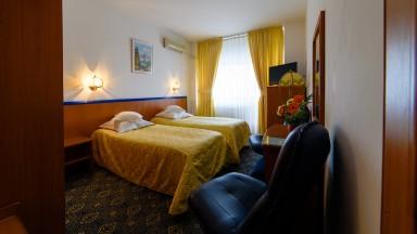 cazare-camera-twin-hotel-decebal-bacau1