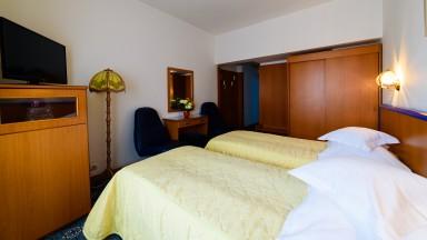 cazare-camera-twin-hotel-decebal-bacau4